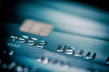 規約違反が露見すると、クレジットカードは当然利用停止