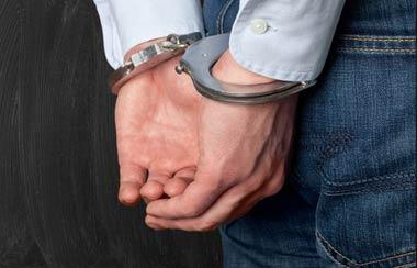 偽装質屋闇金が逮捕される