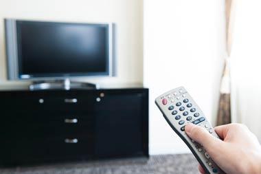テレビやラジオでも、弁護士事務所や司法書士事務所のコマーシャルがさかんに流れています