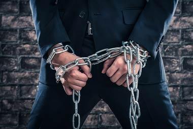 弁護士はあらゆる証拠を集め、闇金を刑事告発へと追い込む