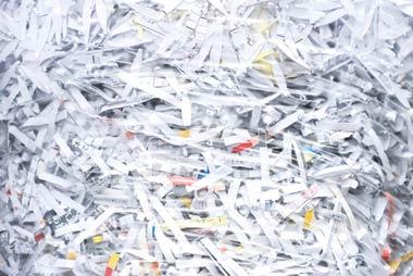 シュレッダーにかけられた名簿屋の持つ個人情報