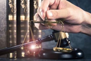 闇金に慰謝料を請求する場合は、民事訴訟を起こす
