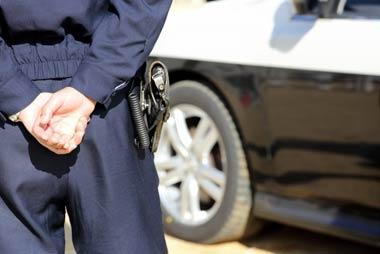 「民事不介入の原則」をタテに警察は闇金を取り締まってこなかった