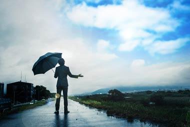 ヤミ金からの嫌がらせや取立てはピタリと止まり、あなたの生活はその日から劇的に良い方向へ向かう