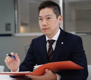 任意整理に実績豊富な代表司法書士 奥野正智