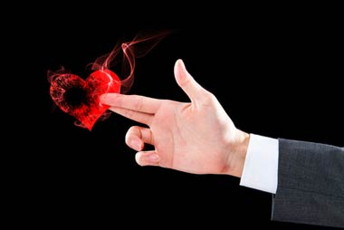 ヤミ金業者は、自己破産者の心のスキを狙い撃ちにしてきます