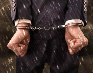 「出し子」を請け負うと犯罪者にされてしまう可能性がある