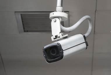 ヤミ金が銀行ATMの防犯カメラに映ること